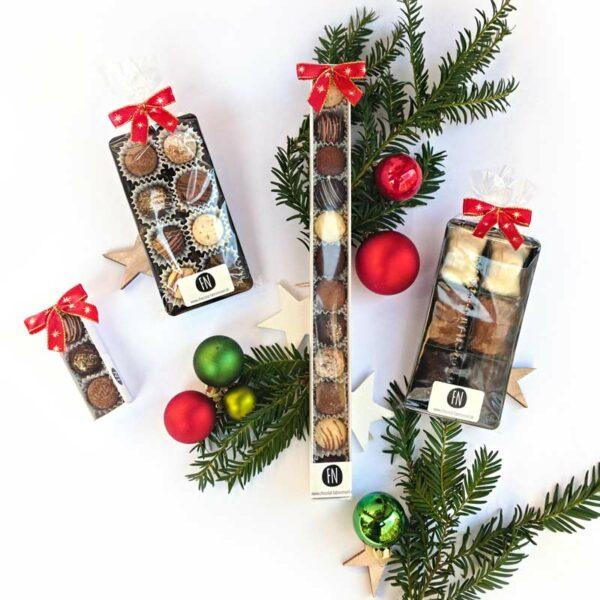 fabricenoel trüffelpralinen weihnachtlich dekoriert